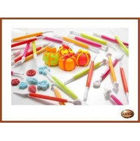 CAKE DESIGN SET 8 ATTREZZI COLORI ASSORTITI PP DISPLAY 24PZ Brandani 55499